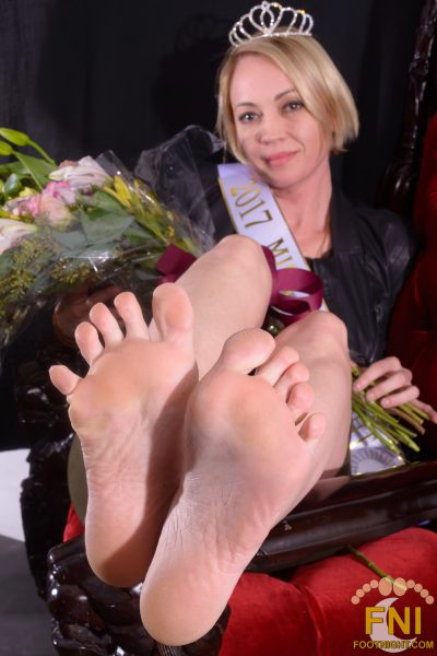 2017 Miss Footnight International Isabella Sinclaire